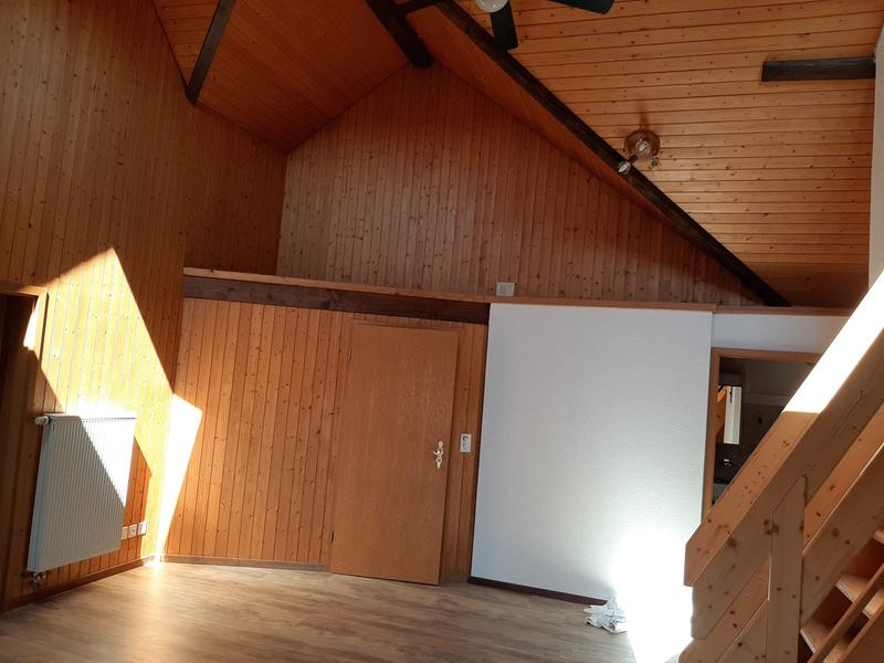 Zu vermieten in Aristau per sofort oder nach Vereinbarung schöne, grosse 5-Zimmer-Dachwohnung,