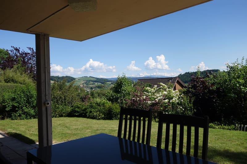 Einfamilienhaus mit Pool und Blick auf Alpenkette - Erste Monatsmiete gratis!