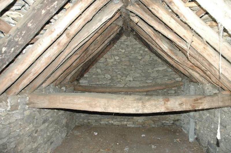 Dachraum mit 4.65 m Höhe