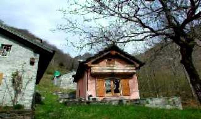 Hausansicht / Vista della casa e dietro rustico