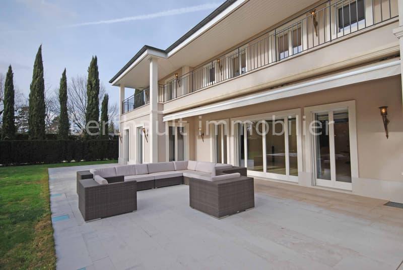 CONCHES - Magnifique villa d'architecture classique
