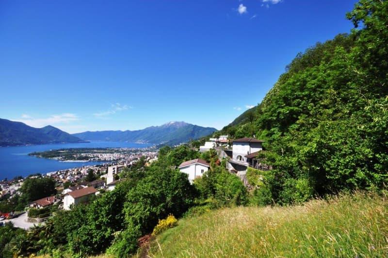 Terreno edificabile con vista lago / Bauland mit Seesicht
