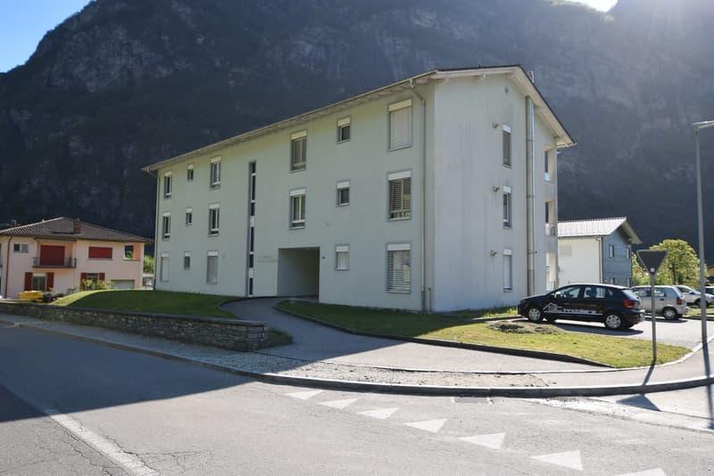Gebäude mit 8 Wohnungen