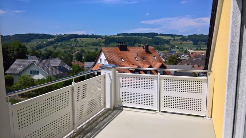 Balkon mit Aussicht auf den Islisberg, Beispiel E 3.1
