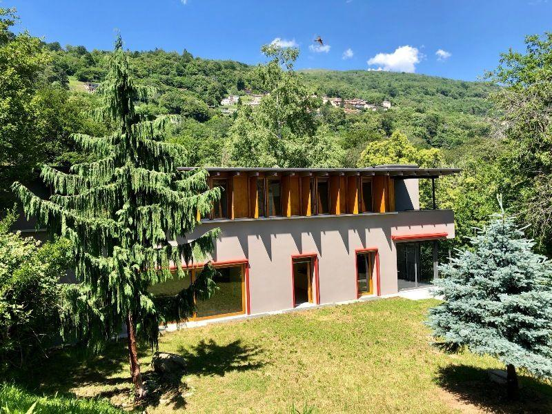 Confortevole e spaziosa villa moderna  in posizione idilliaca