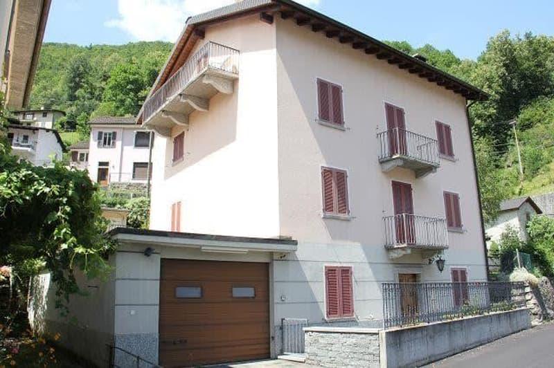 Casa / 3-Familienhaus