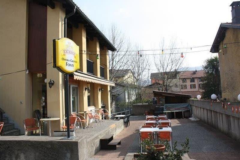 Casa e terrazza / Haus und Terrasse