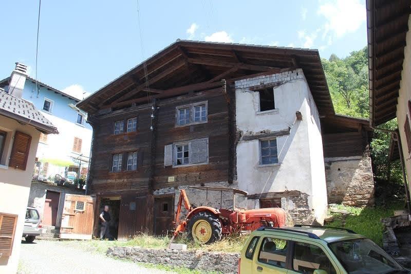 6-Zimmer-Walserhaus zum Ausbauen mit Umschwung
