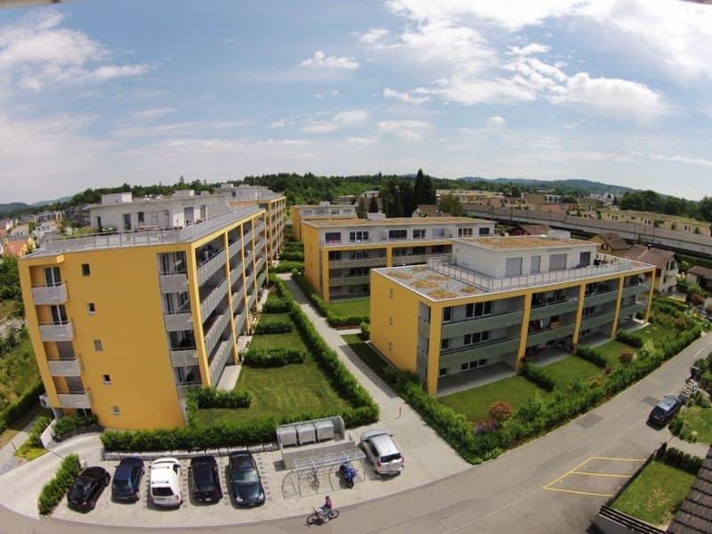 Perfekt ausgestattete Wohnung mit grossem Balkon (1)