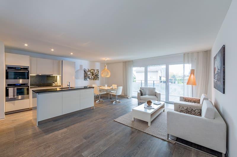 Perfekt ausgestattete Wohnung mit grossem Balkon (3)