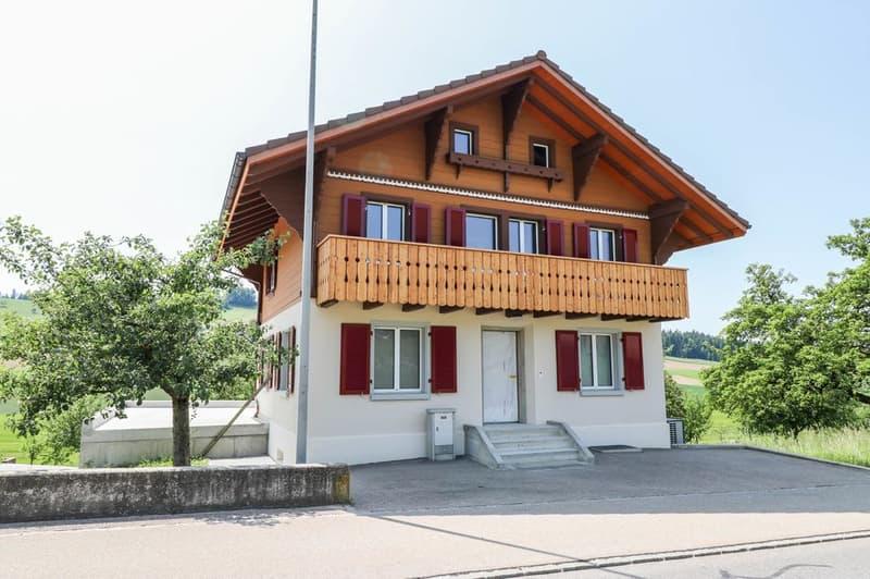 Frisch renoviertes Einfamilienhaus mit schöner Aussicht ins Grüne