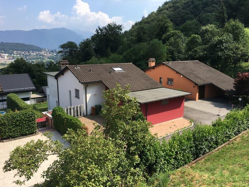Meravigliosa villa unifamiliare 5,5 locali recentemente completamente ristrutturata a nuovo a Manno.