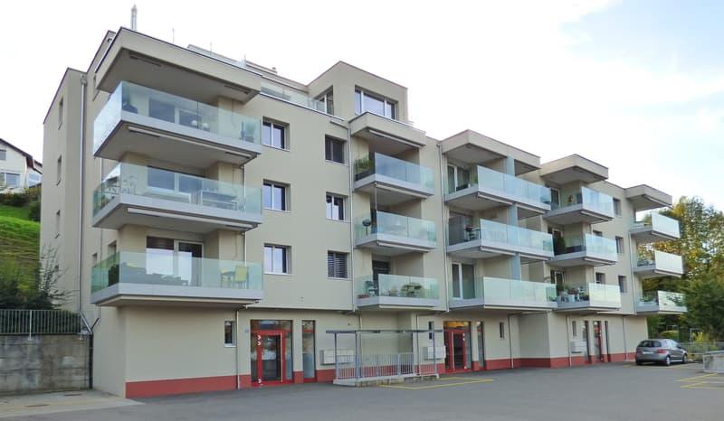 Charmante und moderne Wohnung mit 2 Balkonen und Seesicht!