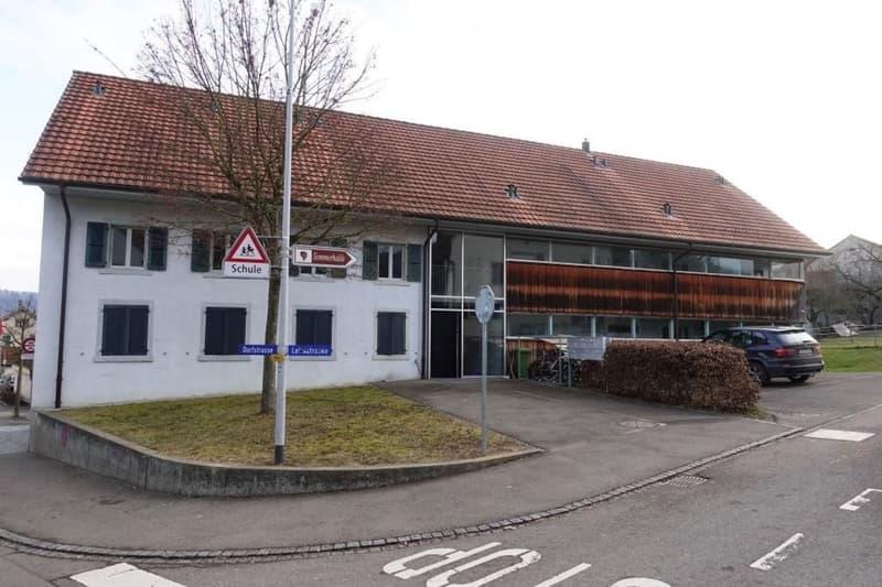 MFH mit 6 Wohnungen mit Potenzial (Ausbau DG, Anbau) inkl. 1'371m2 Bauland