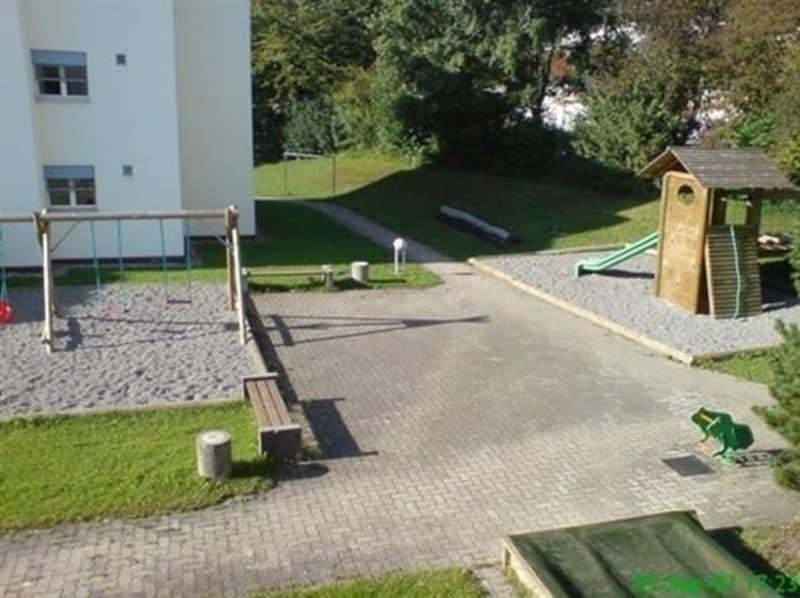 Neu sanierte grosse 4.5 Zi-Wohnung mit Balkon
