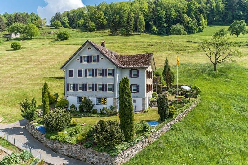 Historisches Einfamilienhaus am Vierwaldstättersee