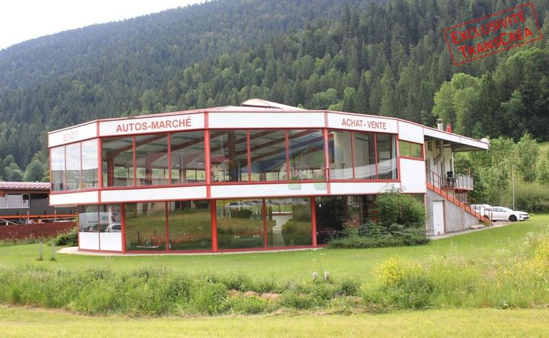 Halle d'exposition industrielle de 1'080 m2 avec appartement de 120 m2