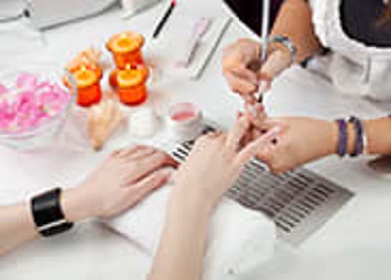 Zürich Wipkingen: Nail- und Beautysalon zum Spitzenpreis