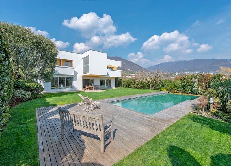 Lussuosa villa moderna a Coldrerio / Moderne Luxusvilla in Coldrerio
