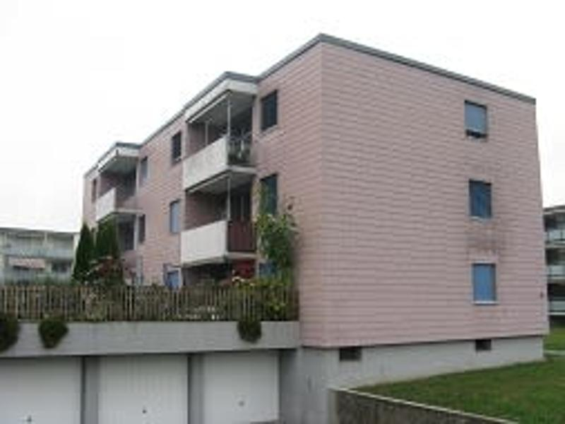 Günstige, renovierte Wohnung mit Balkon
