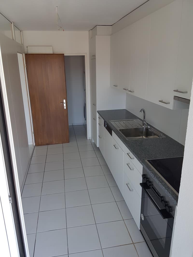Renovierte, helle und grosszügige 4.5-Zimmerwohnung mit Waschturm in der Wohnung