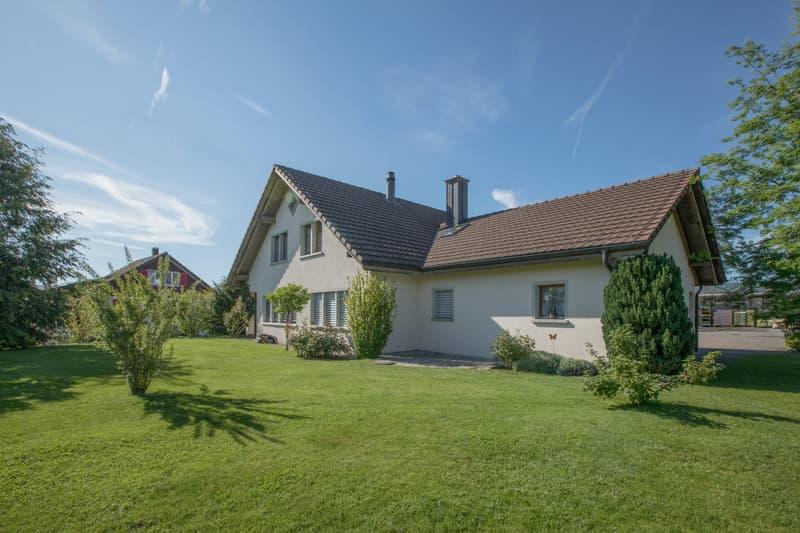 Sonnige und ruhige Lage - freistehendes Einfamilienhaus