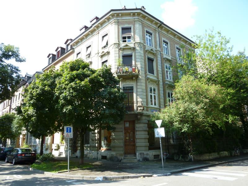 Helle 2 Zimmer Altbauwohnung in Eckhaus Matthäusplatz
