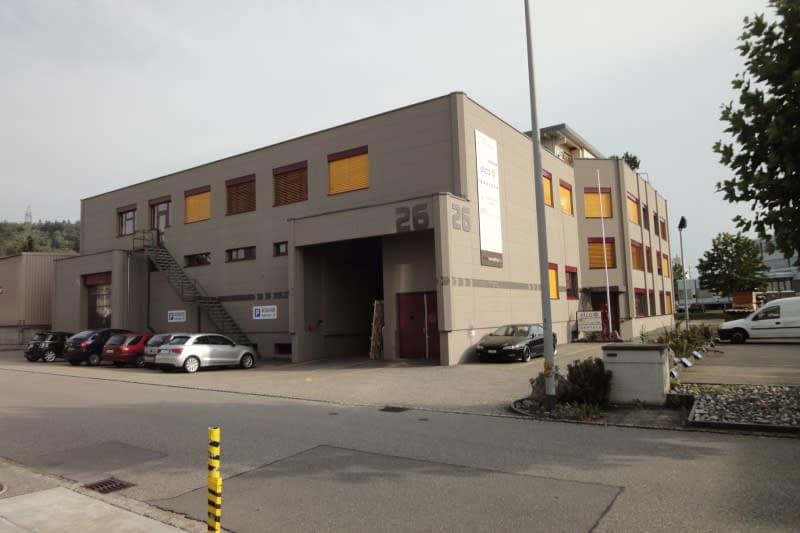 Büro 70 m2 / 49 m2 im 1. Obergeschoss
