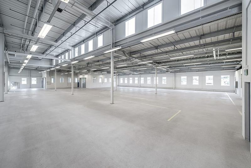 moderne Industrie-/Gewerbehalle