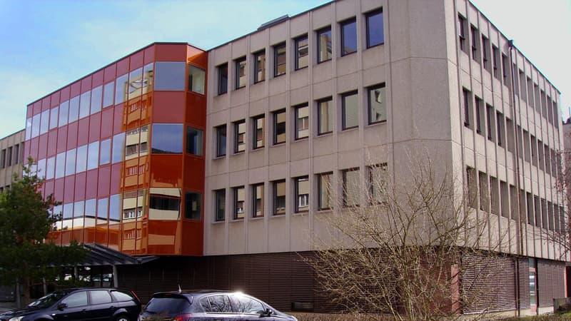 Helle Büroräume und Einzelbüros in Geschäftshaus an zentraler Lage ab 260CHF