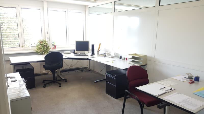 Atelier / Büro-, Verkaufsräume zu vermieten