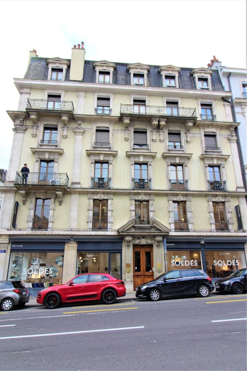 Rare 5 pièces bourgeois - Rive Boulevard Helvetique