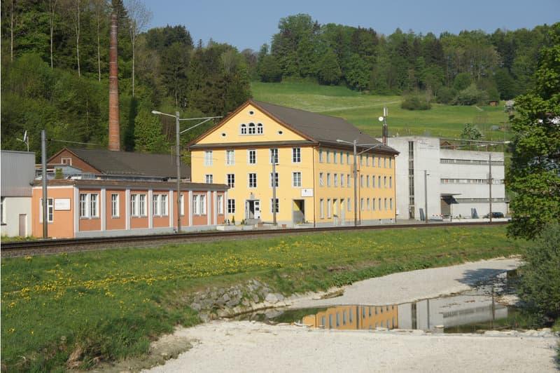 Gewerbe- und Industrieareal - www.tössareal.ch