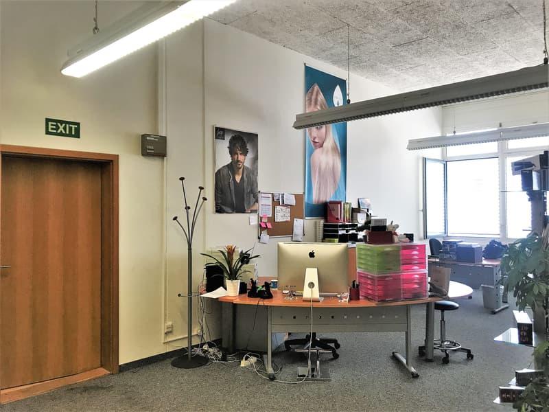 Bureaux, dépôts de 138 m2 à louer au Mont sur Lausanne