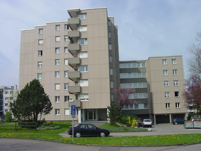 Helle, geraeumige Wohnung beim Bahnhof Wittenbach