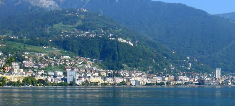 Montreux depuis le lac
