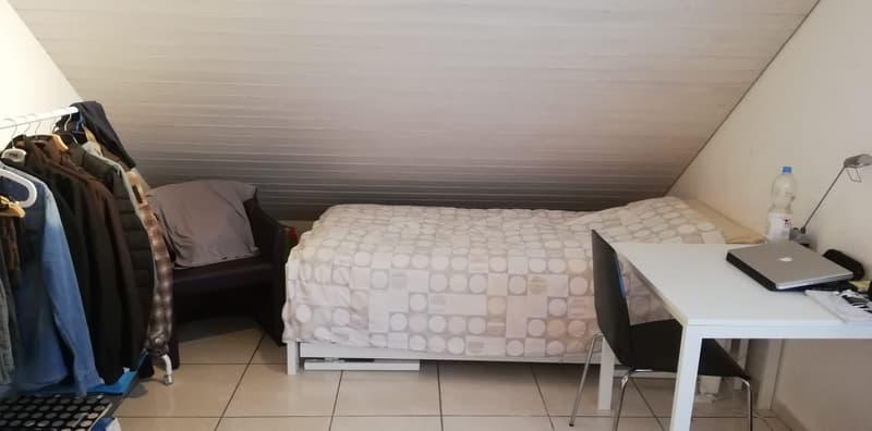 Möbliertes Zimmer in 5er-WG