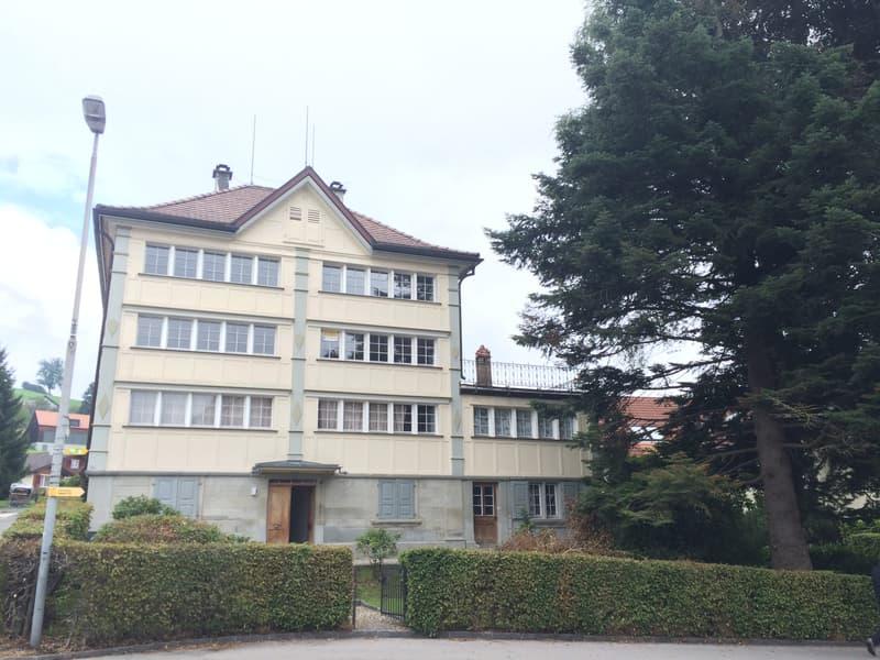 schmuckes Biedermeierhaus