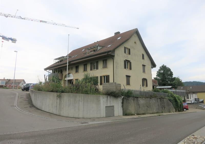 Geräumige 4.5-Zimmer-Wohnung mit Cheminée und ausgebautem Dachgeschoss