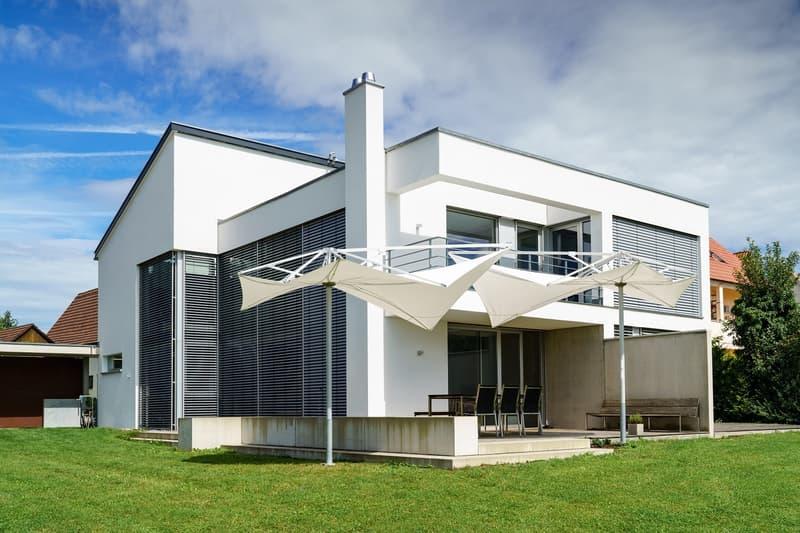 Annuncio exemplario: Villa moderna (1)
