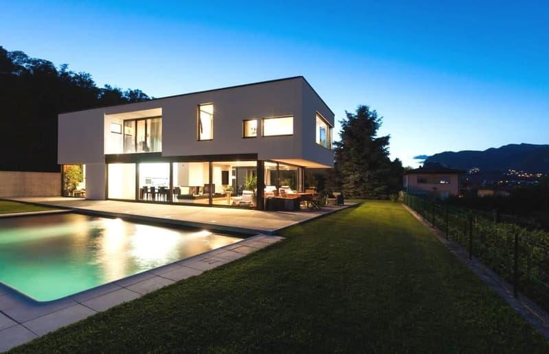 Musterinserat: Luxuriöses Einfamilienhaus mit Pool (2)