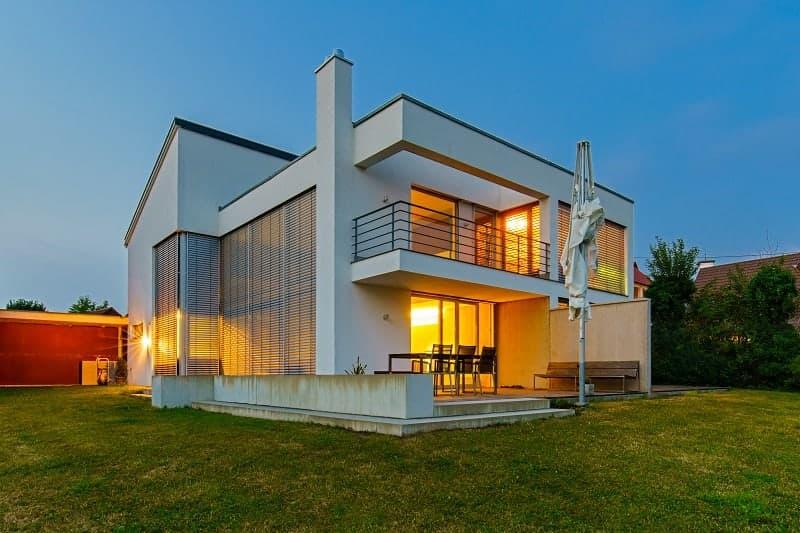Annuncio exemplario: Villa moderna (2)