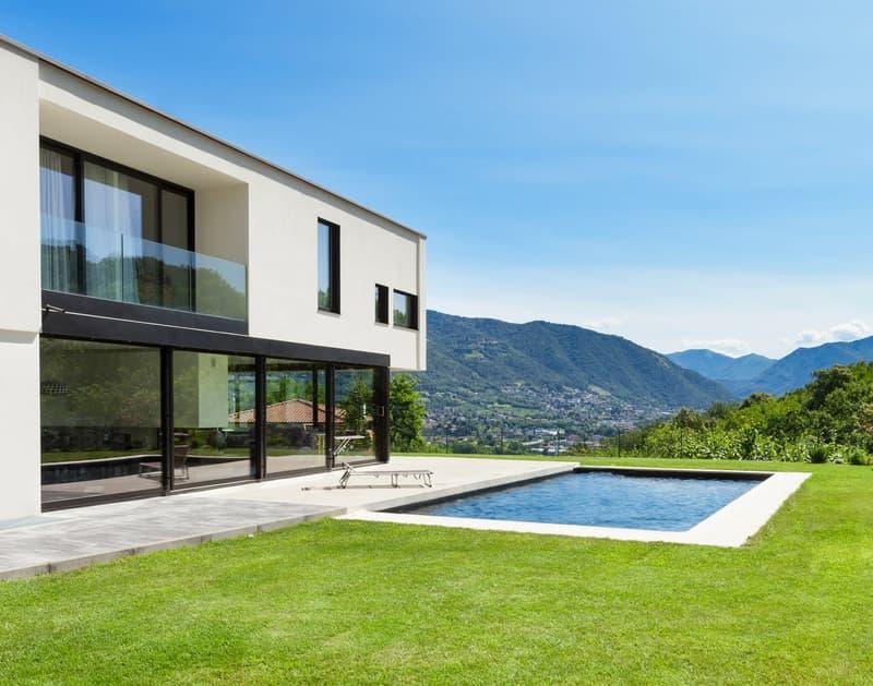 Musterinserat: Luxuriöses Einfamilienhaus mit Pool (3)