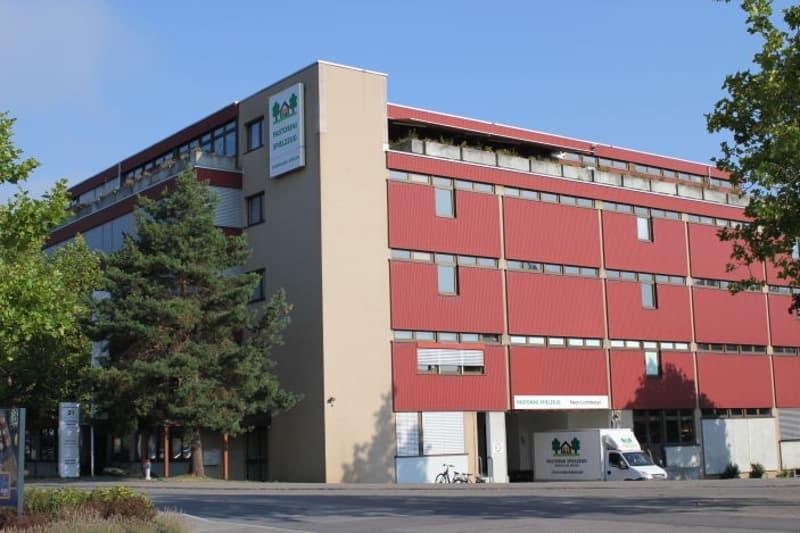 Gewerbehaus im Schossacher 21 Dübendorf