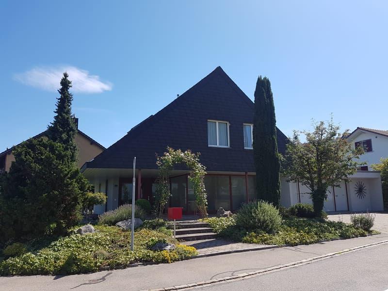 Familienfreundliches 5.5-Zimmer-Einfamilienhaus mit optimal besonntem Garten