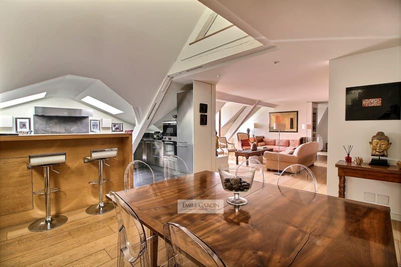 Hotel Particulier en vieille ville. Appartement en attique. Genève. (3)