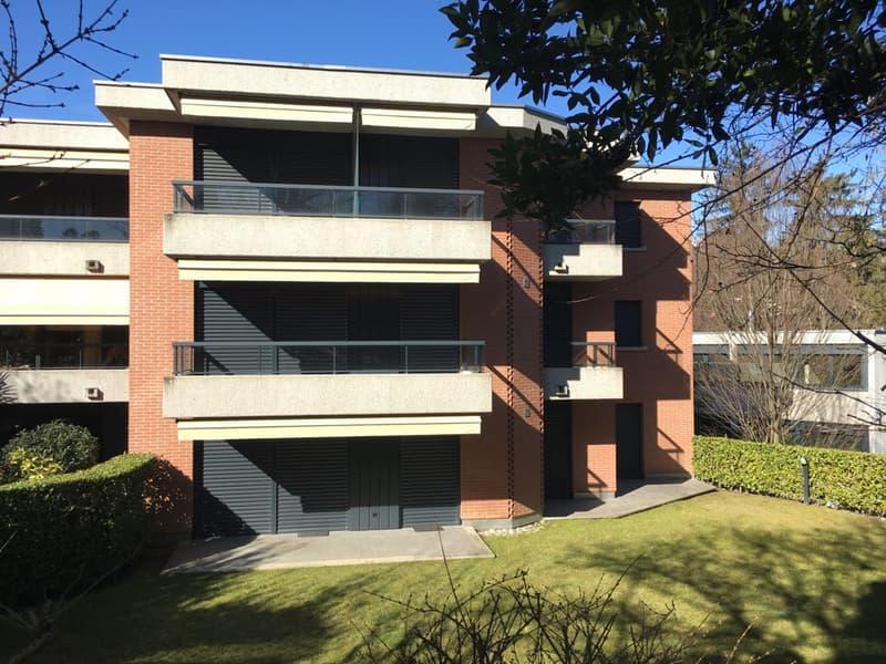 Appartamento signorile, 4.5 locali, ca. 120 mq, dimensioni ideali, grande terrazza, nel verde