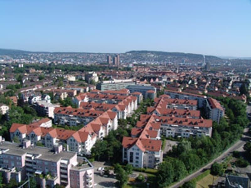 Einstellplätze Nähe Binz und Friesenbergstrasse