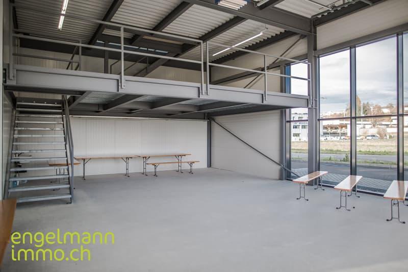 Neue Industrie- und Gewerberäumlichkeiten / Nouvelles surfaces industrielles et commerciales