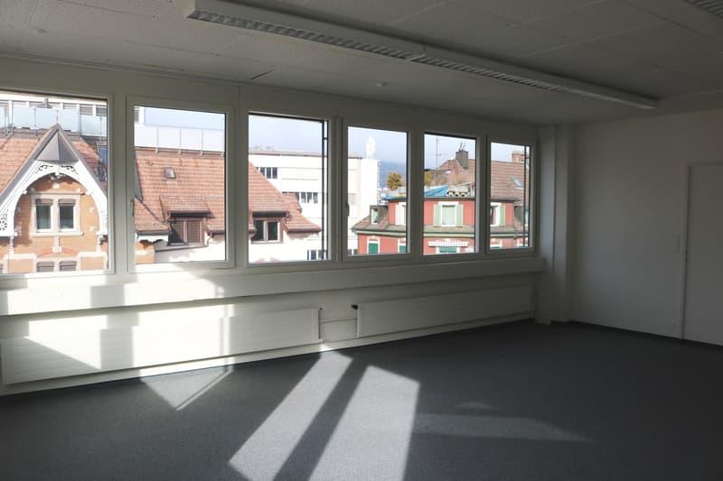 Attraktive, helle Büroräume in Schlieren zu vermieten